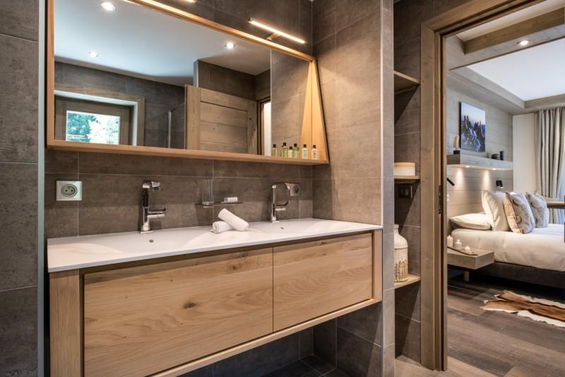 Courchevel 1650 Luxury Rental Chalet Akarlonte Bathroom 4