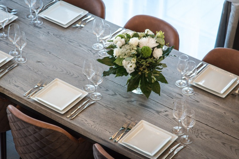 Courchevel 1650 Luxury Rental Chalet Akarlonte Dining Table
