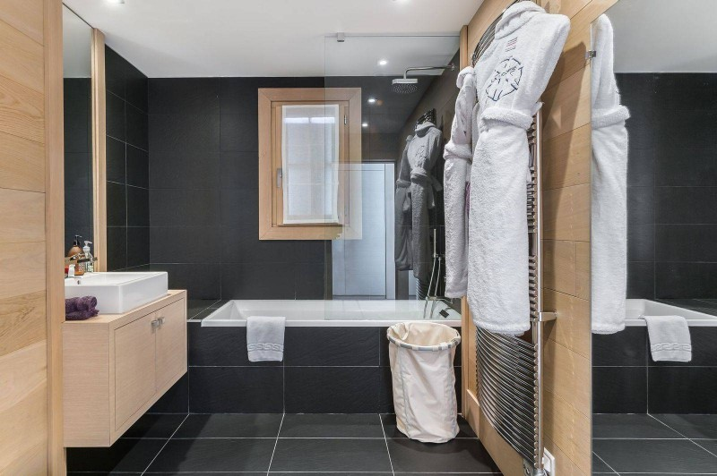 Courchevel 1650 Luxury Rental Chalet Nexilovite Bathroom 6