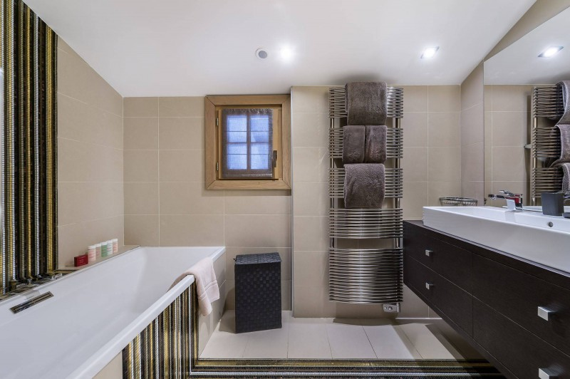 Courchevel 1650 Luxury Rental Chalet Nexiluvite Bathroom 3
