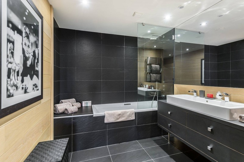 Courchevel 1650 Luxury Rental Chalet Nexiluvite Bathroom 4