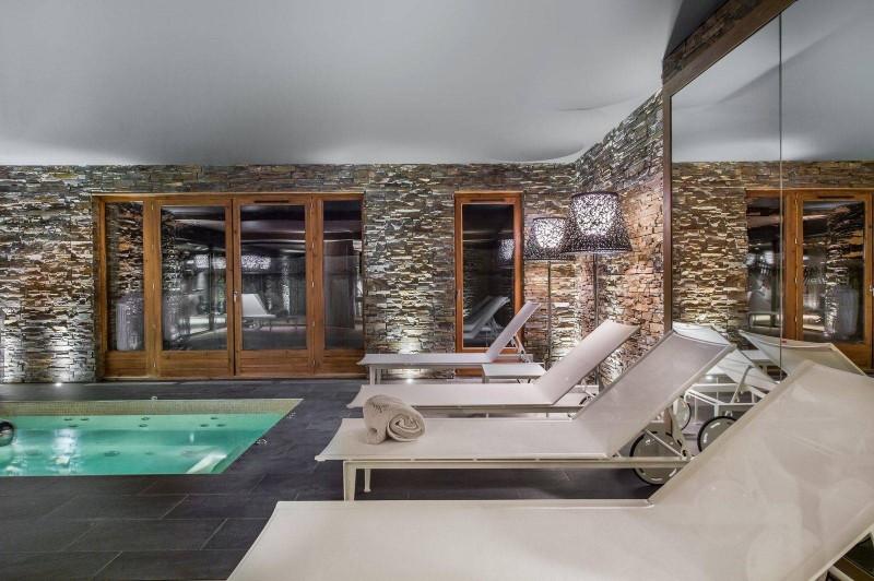 Courchevel 1650 Location Chalet Luxe Nezilovite Jacuzzi 2