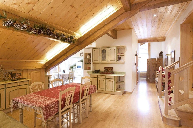 Courchevel 1850 Luxury Rental Appartment Albatre Dining Room 2