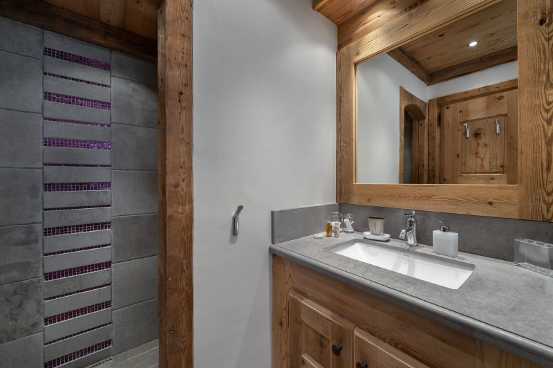 Courchevel 1850 Luxury Rental Appartment Bapilite Bathroom