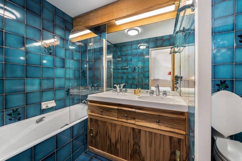 Courchevel 1850 Luxury Rental Appartment Celsiane Bathroom