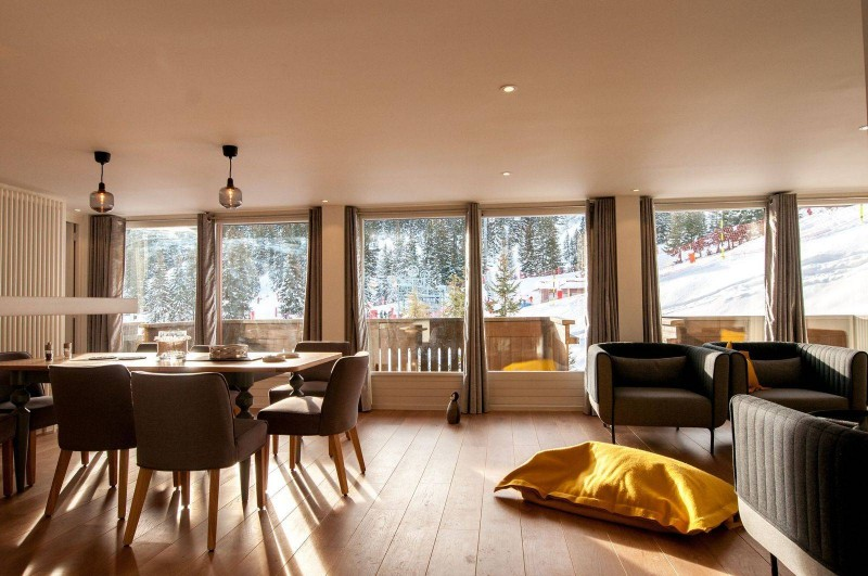 Courchevel 1850 Luxury Rental Appartment Cesonite Dining Room 2