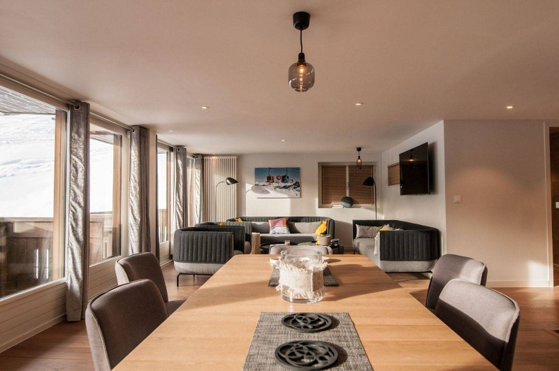 Courchevel 1850 Luxury Rental Appartment Cesonite Dining Room 4