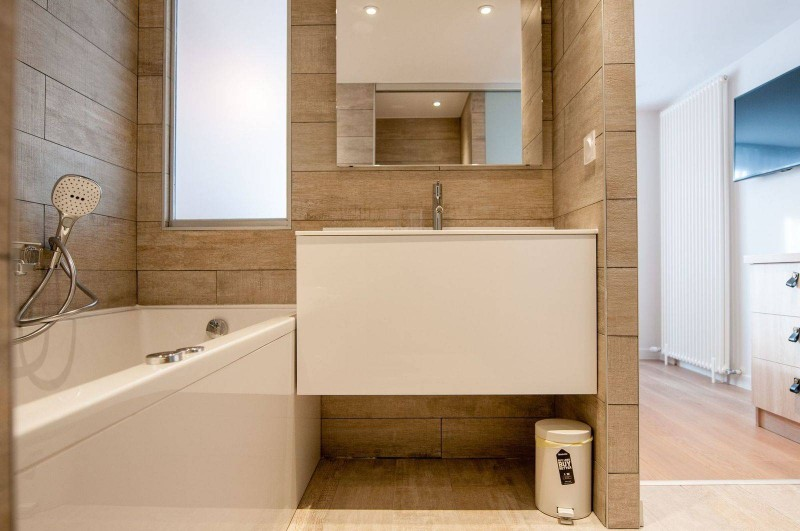 Courchevel 1850 Luxury Rental Appartment Cesonite Bathroom