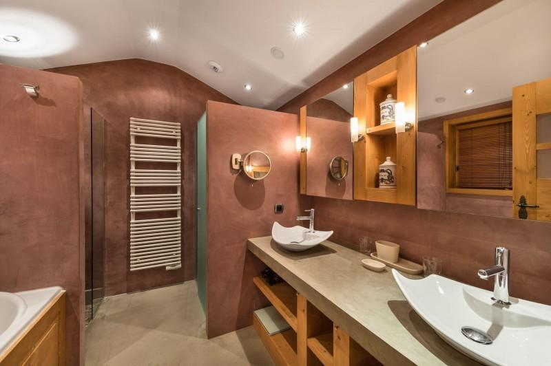 Courchevel 1850 Luxury Rental Appartment Cetanite Bathroom