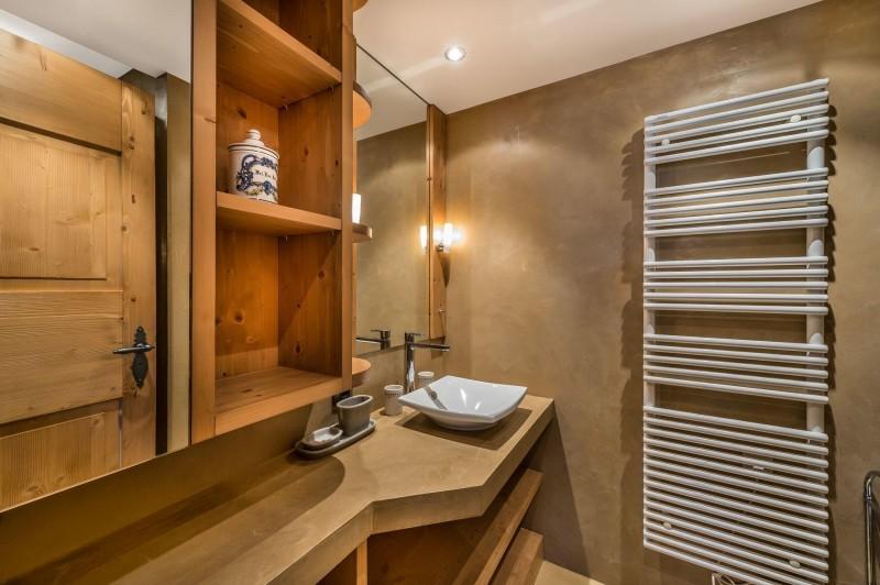 Courchevel 1850 Luxury Rental Appartment Cetanite Bathroom 2