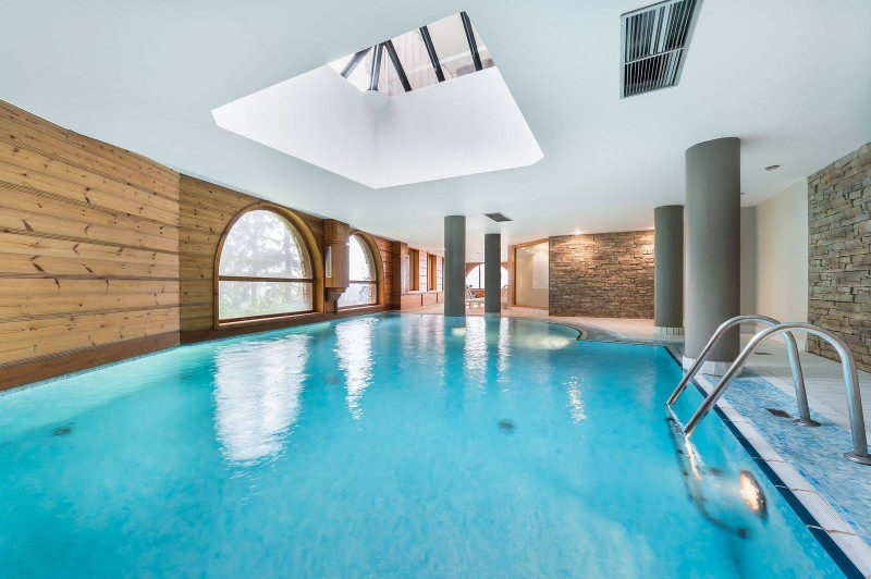 Courchevel 1850 Luxury Rental Appartment Mereli Pool