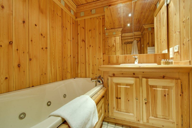 Courchevel 1850 Luxury Rental Appartment Mereli Bathroom