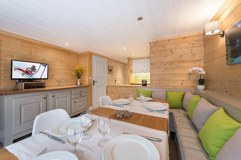 Courchevel 1850 Luxury Rental Appartment Tavorite Dining Room 2