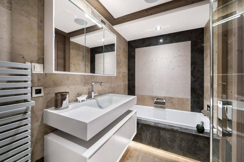 Courchevel 1850 Luxury Rental Appartment Visix Bathroom