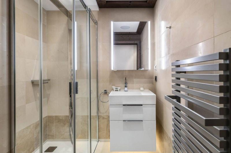 Courchevel 1850 Luxury Rental Appartment Visix Bathroom 3