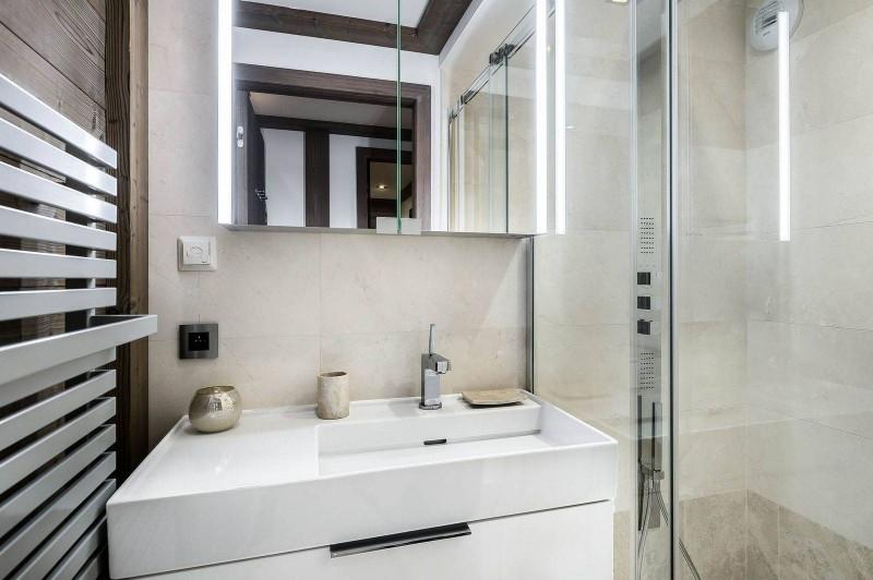 Courchevel 1850 Luxury Rental Appartment Visix Bathroom 4
