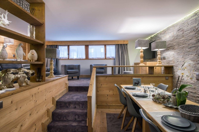 Courchevel 1850 Luxury Rental Appartment Vizrine Dining Room 3