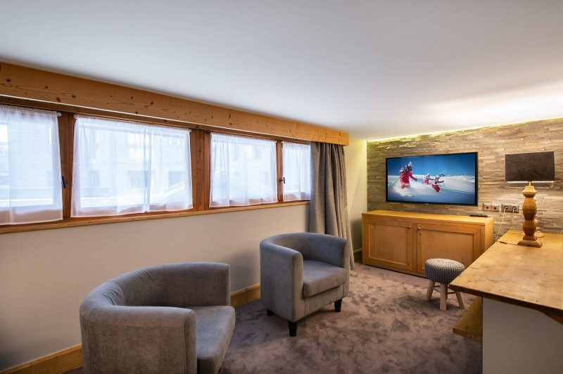 Courchevel 1850 Luxury Rental Appartment Vizrine Living Room 2