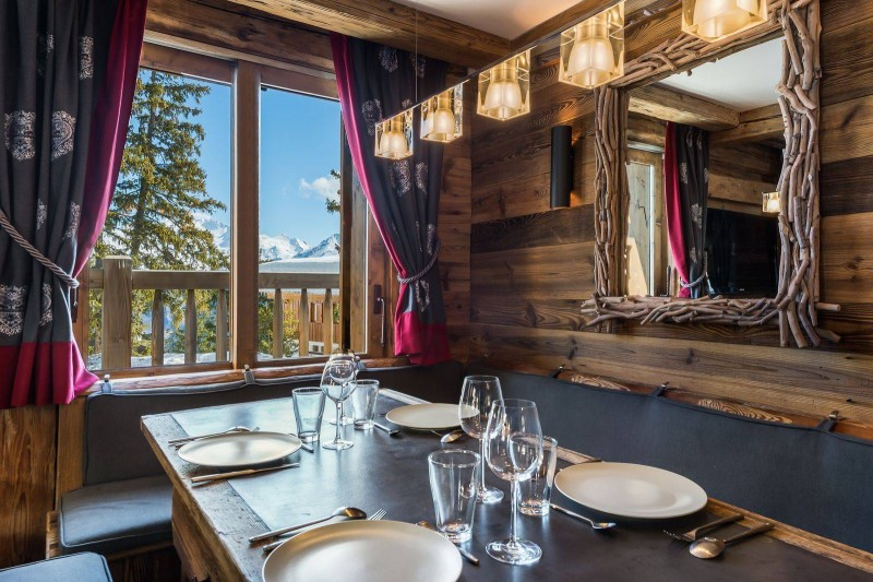 Courchevel 1850 Luxury Rental Chalet Cesarolite Dining Room