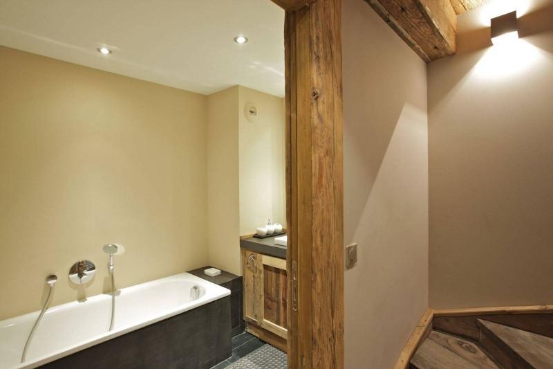 Courchevel 1850 Luxury Rental Chalet Cesarolite Bathroom