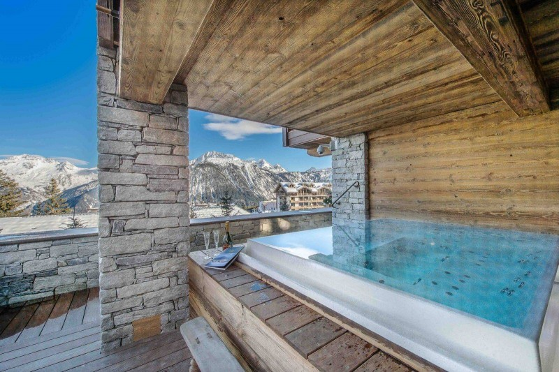 Courchevel 1850 Location Chalet Luxe Chudobaïte Outdoor Jacuzzi