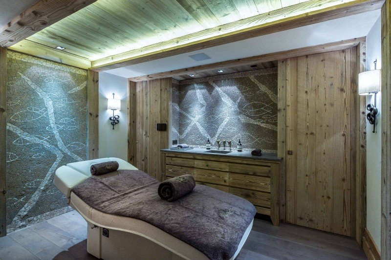 Courchevel 1850 Luxury Rental Chalet Chudobaïte Massage Room