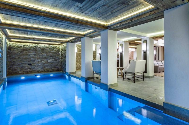 Courchevel 1850 Luxury Rental Chalet Chursinite Pool