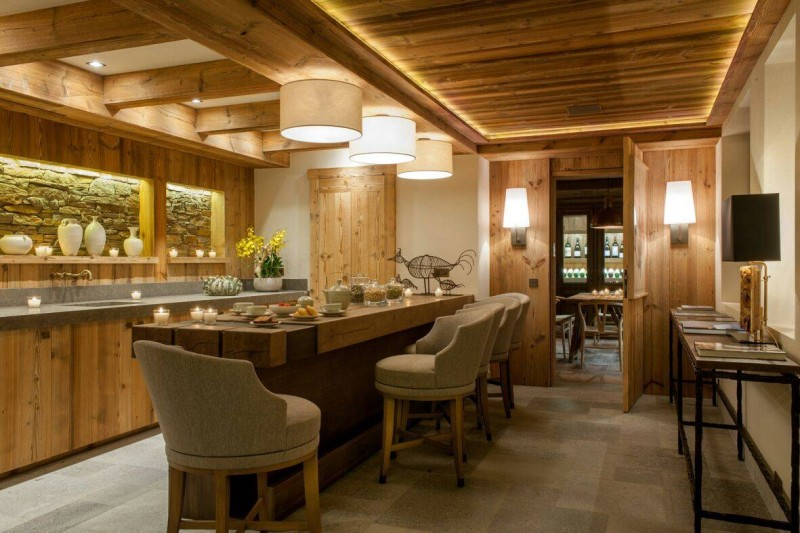 Courchevel 1850 Luxury Rental Chalet Chursinite Dining Room 3