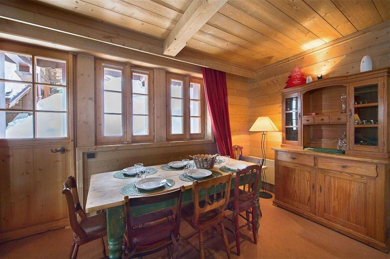 Courchevel 1850 Luxury Rental Chalet Cinnamon Dining Room