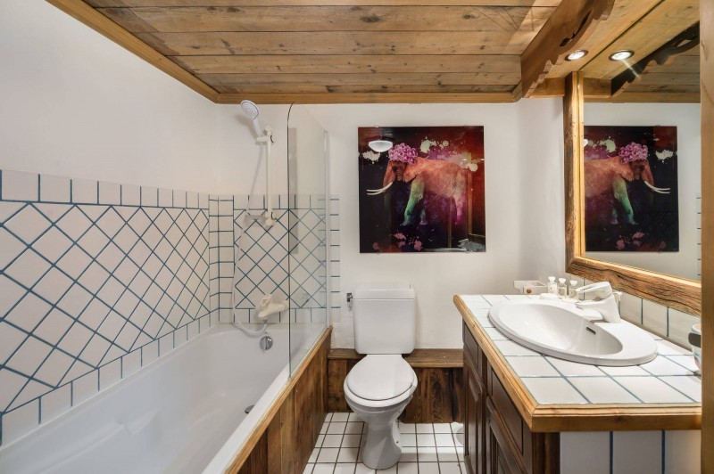 Courchevel 1850 Luxury Rental Chalet Tazuy Bathroom