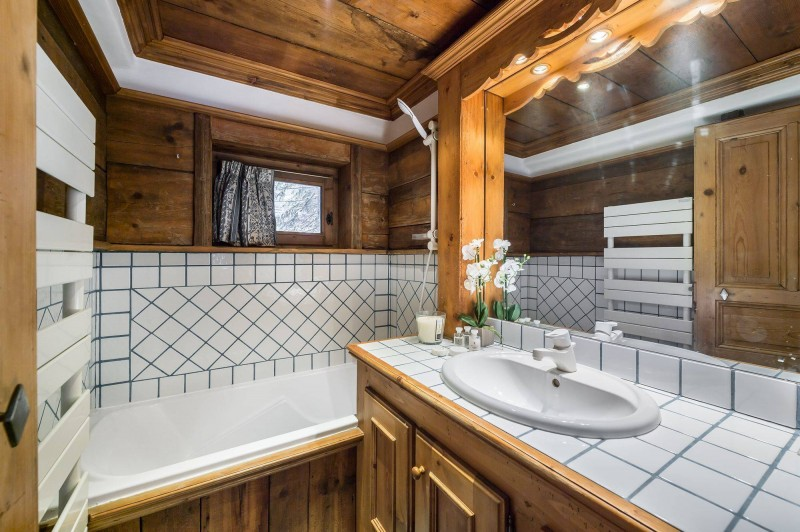Courchevel 1850 Luxury Rental Chalet Tazuy Bathroom 3