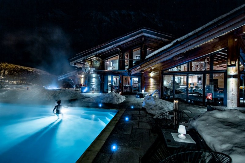 exterior-winter-nightime-9456