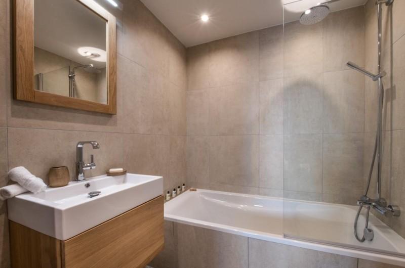 La Tania Luxury Rental Chalet Alta Bathroom 2
