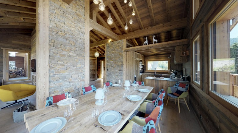 La Tania Location Chalet Luxe Couzite Table A Manger