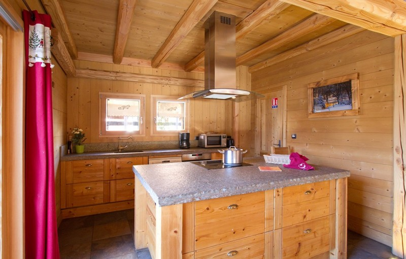 Les Deux Alpes Rental Chalet Luxury Cervantite Kitchen