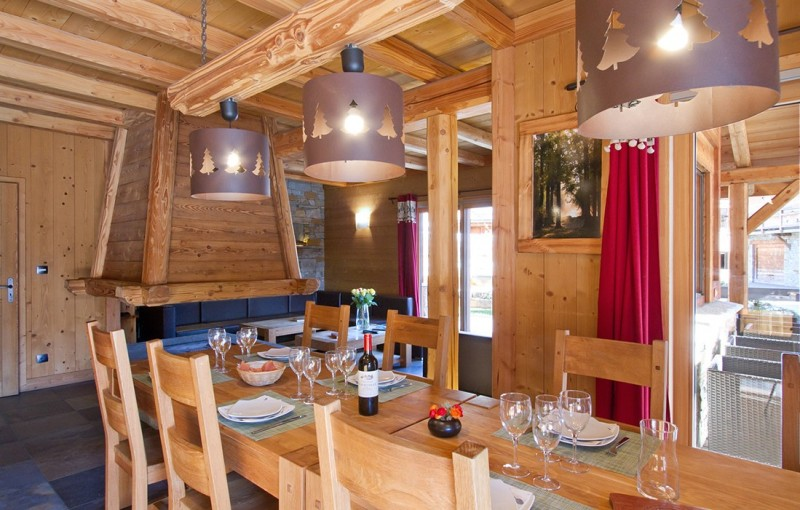 Les Deux Alpes Rental Chalet Luxury Cervantite Dining Room 1