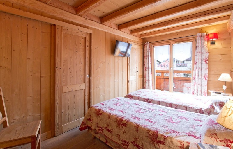 Les Deux Alpes Rental Chalet Luxury Cervantote Bedroom 1