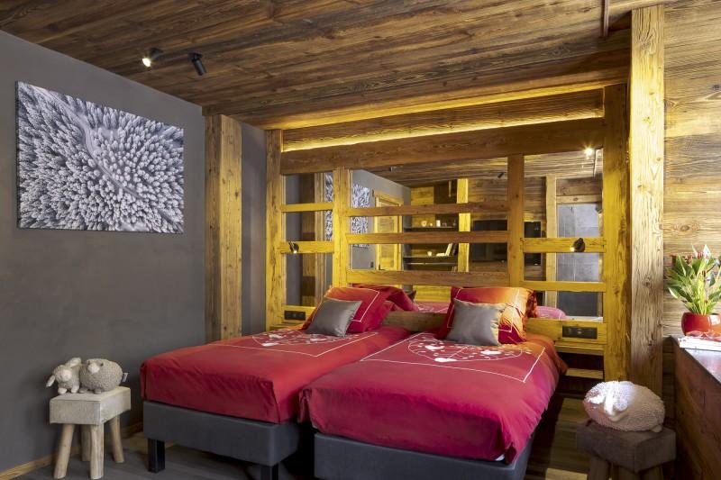 Les Deux Alpes Luxury Rental Chalet Cervantute Bedroom 3