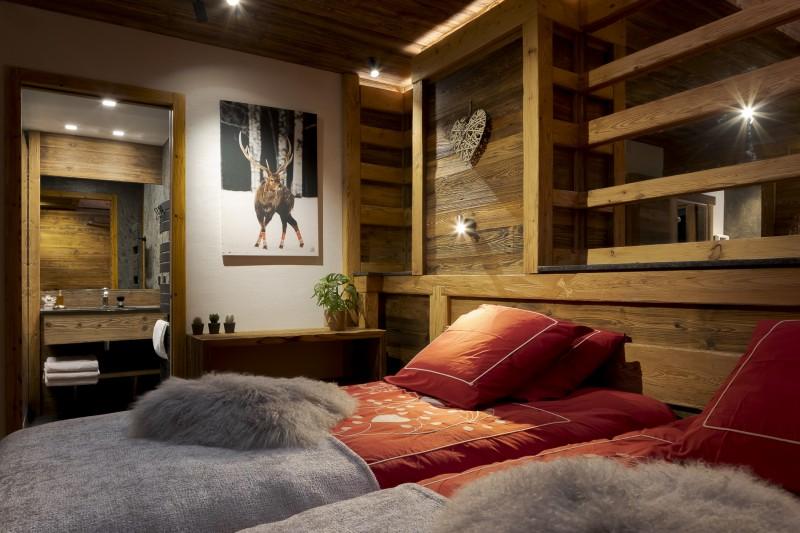 Les Deux Alpes Luxury Rental Chalet Cervantute Bedroom 4