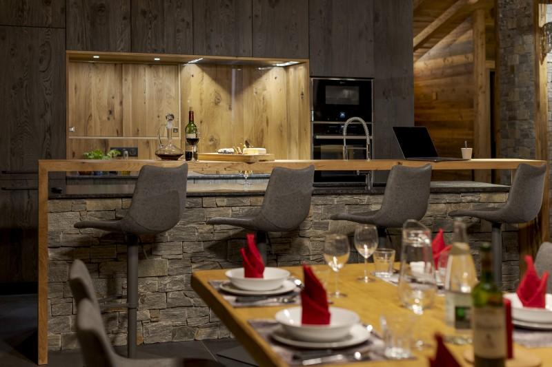 Les Deux Alpes Luxury Rental Chalet Cervantute Kitchen 2