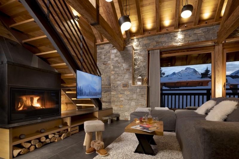 Les Deux Alpes Luxury Rental Chalet Cervantute Living Room 2