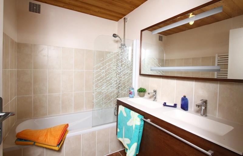 Les Deux Alpes Luxury Rental Chalet Wilsonite Bathroom