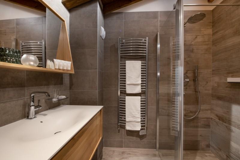 Les Gets Luxury Rental Appartment Anrocha Bathroom 3
