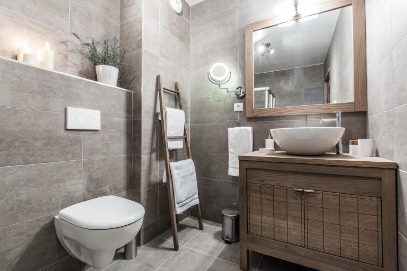 Les Gets Luxury Rental Chalet Anrolle Bathroom