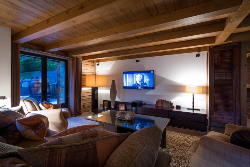 Les Gets Location Chalet Luxe Geigerite Coin TV