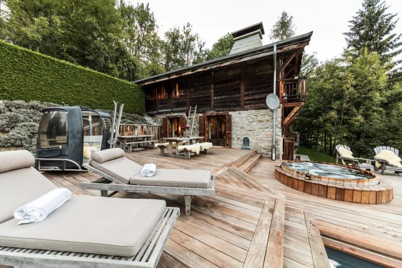 Les Gets Location Chalet Luxe Geigerite Terrasse Eté