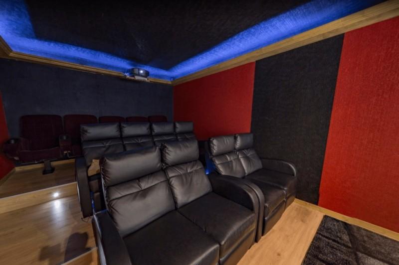 Les Menuires Luxury Rental Chalet Lalinaire Cinema Room