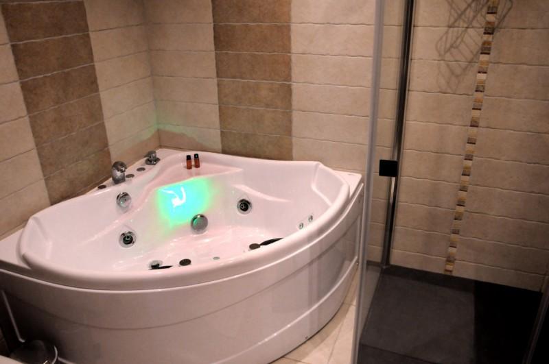 Les Menuires Luxury Rental Chalet Lalinaire Bathroom 4
