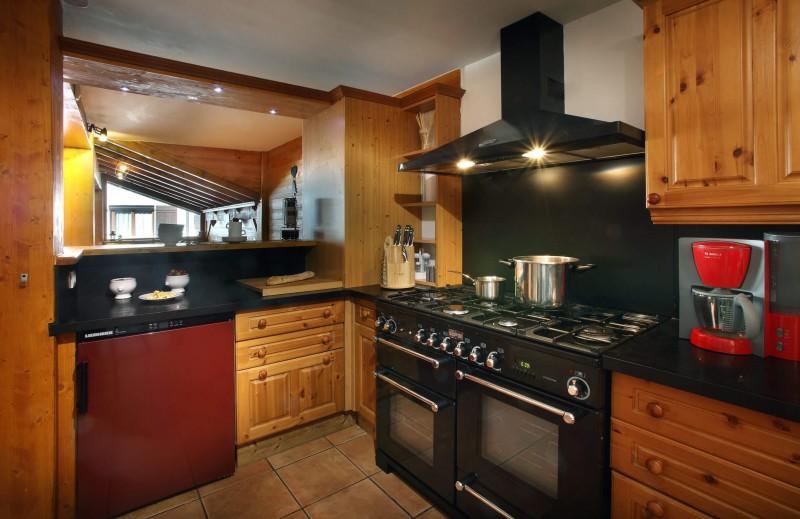 Les Menuires Luxury Rental Chalet Lautite Kitchen