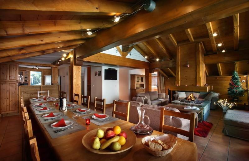Les Menuires Luxury Rental Chalet Lautite Dining Area